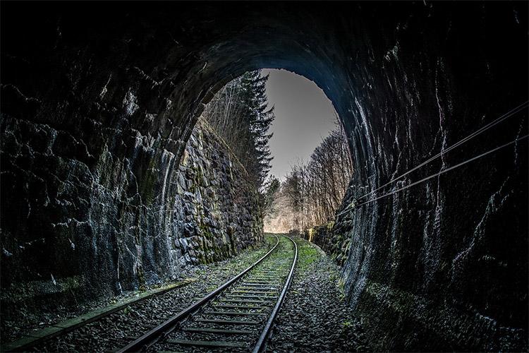 20 Beautiful Photos of Railroad Tracks